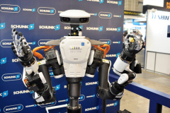 Kawada-Nextage-robot-with-Schunk-hands-1084x720